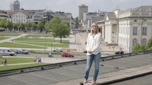 Über den Dächern Kassels – hier Katalin Hercegh die künstlerische Leiterin des Ensembles