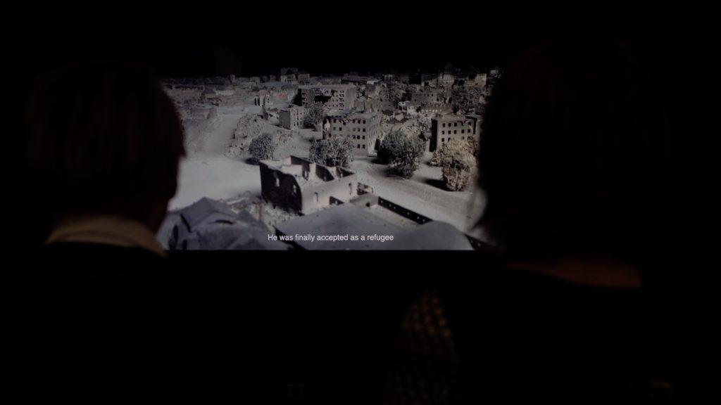 Hiwa K bedient sich in seiner Videoarbeit einem Modell des zerstörten Kassels